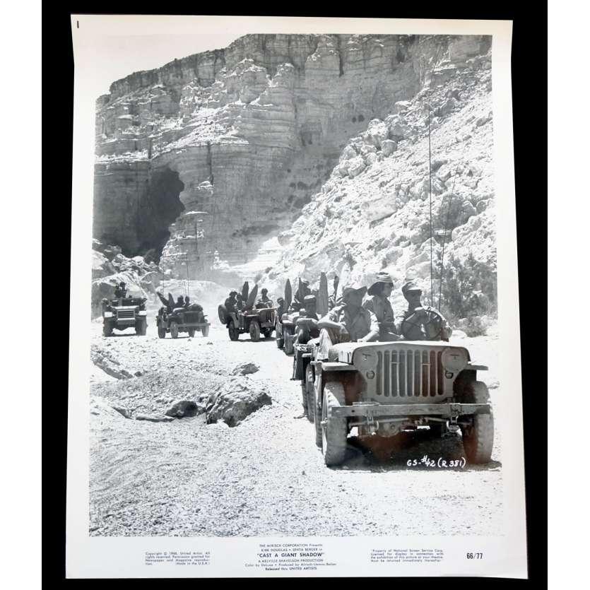 CAST A GIANT SHADOW US Still 8x10 - 1966 - Melville Shavelson, John Wayne