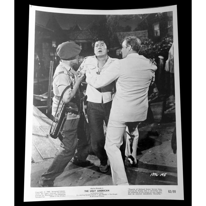 LE VILAIN AMERICAIN Photo de presse 20x25 - 1963 - Marlon Brando, George Englund
