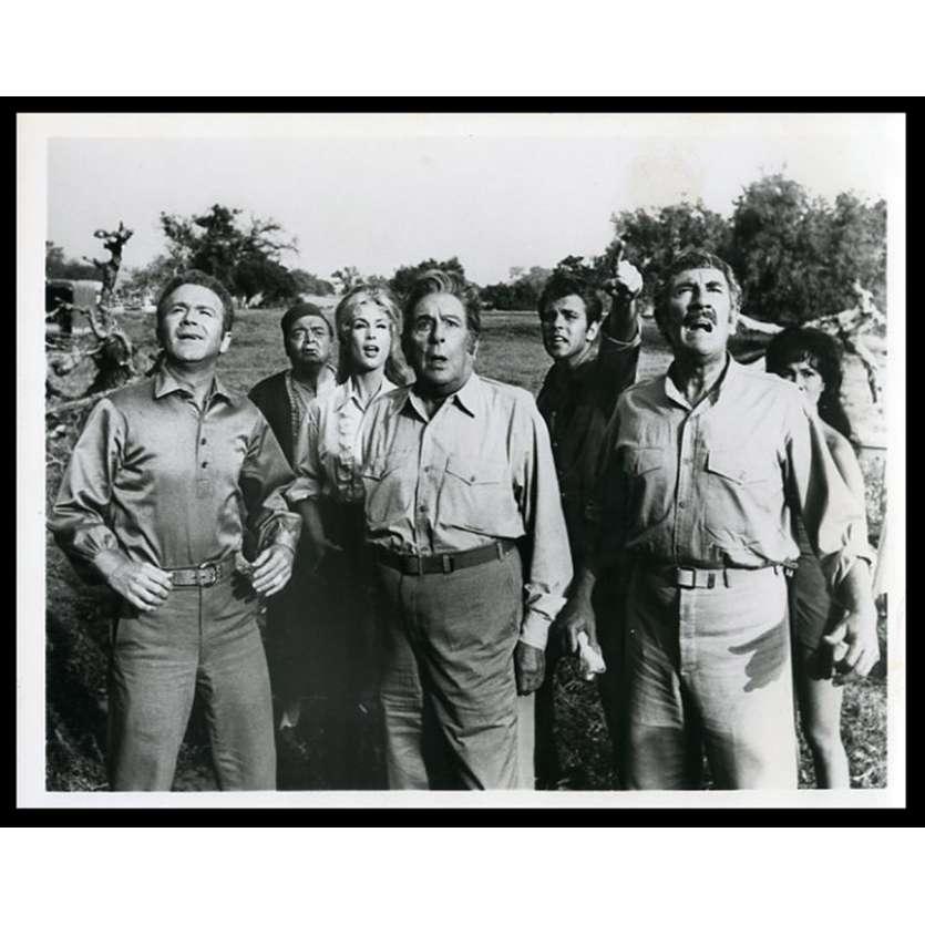 FIVE WEEKS IN A BALLON Photo de presse 18x24 - 1962 - Peter Lorre, Irwin Allen
