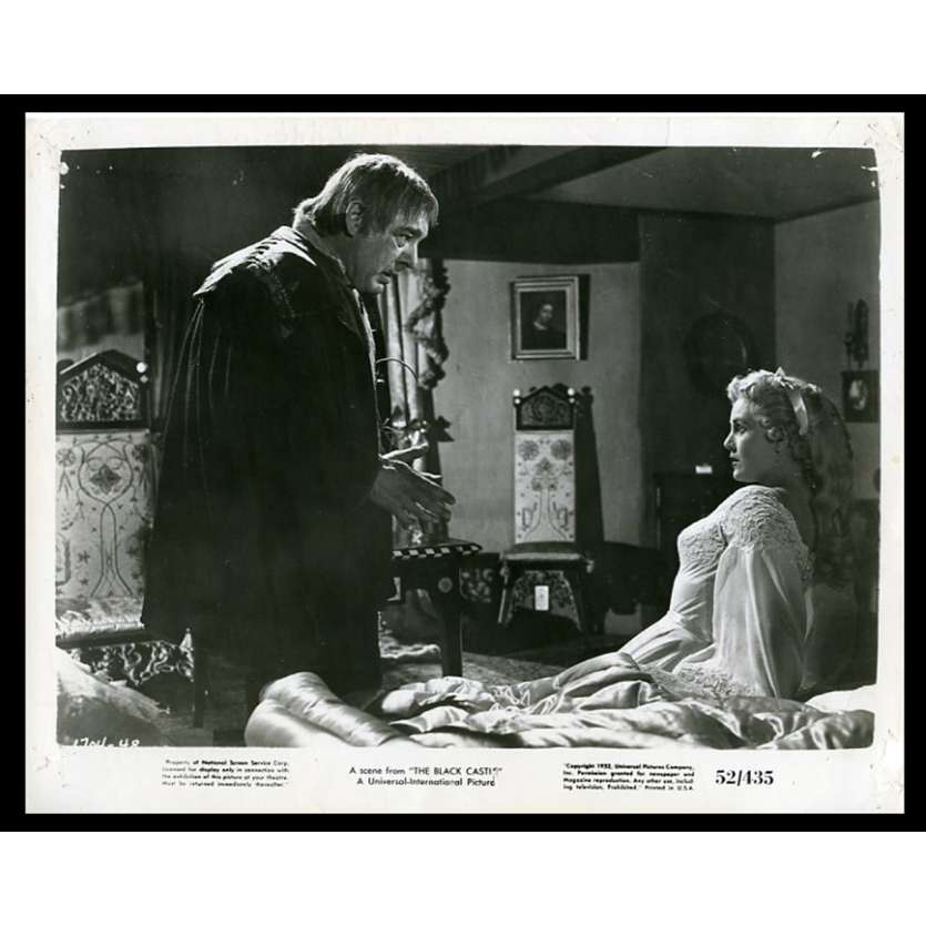 THE BLACK CASTLE US Movie Still 8X10 - 1952 - Nathan Juran, Richard Greene