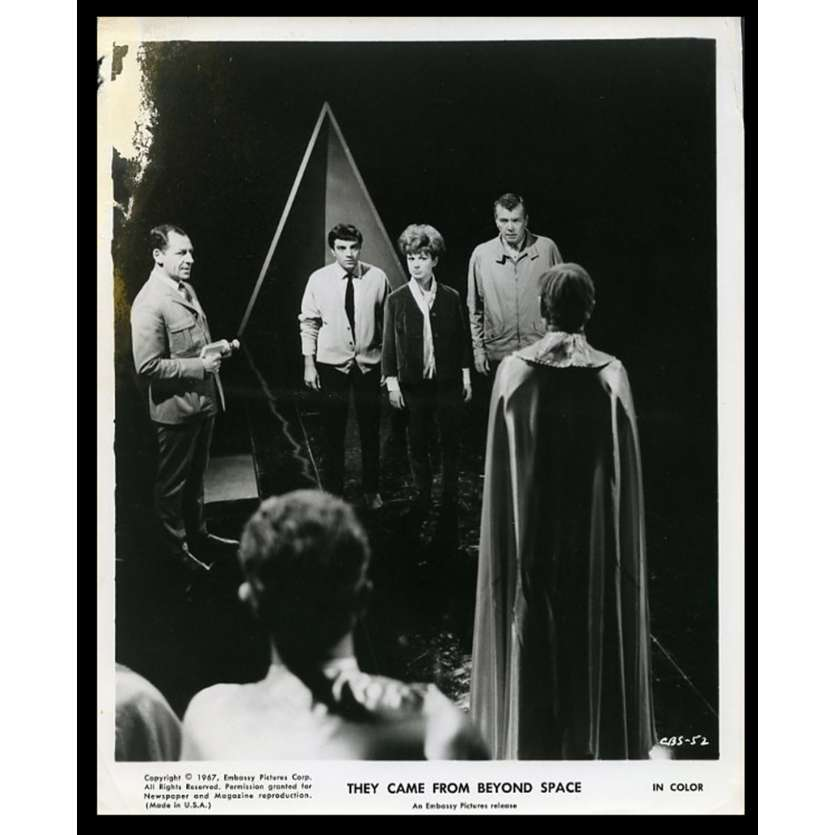 THEY CAME FROM BEYOND SPACE Photo de presse 20x25 - 1967 - Robert Hutton, Freddie Francis