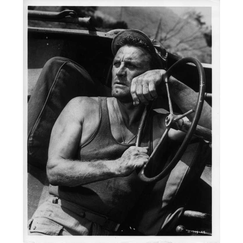 UN HOMME DOIT MOURIR Photo de presse N3 20x25 cm - 1963 - Kirk Douglas, George Seaton