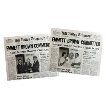 BACK TO THE FUTURE Newspapers Prop Replicas Emmet Brown 15x21 in. USA - 1985 - Robert Zemeckis, Michael J. Fox