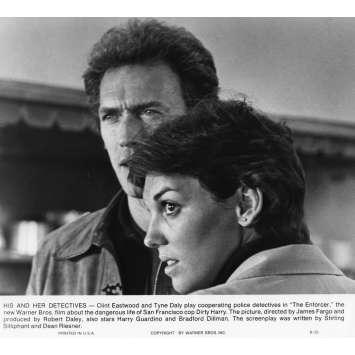 L'INSPECTEUR NE RENONCE JAMAIS Photo de presse N2 20x25 cm - 1976 - Clint Eastwood, James Fargo