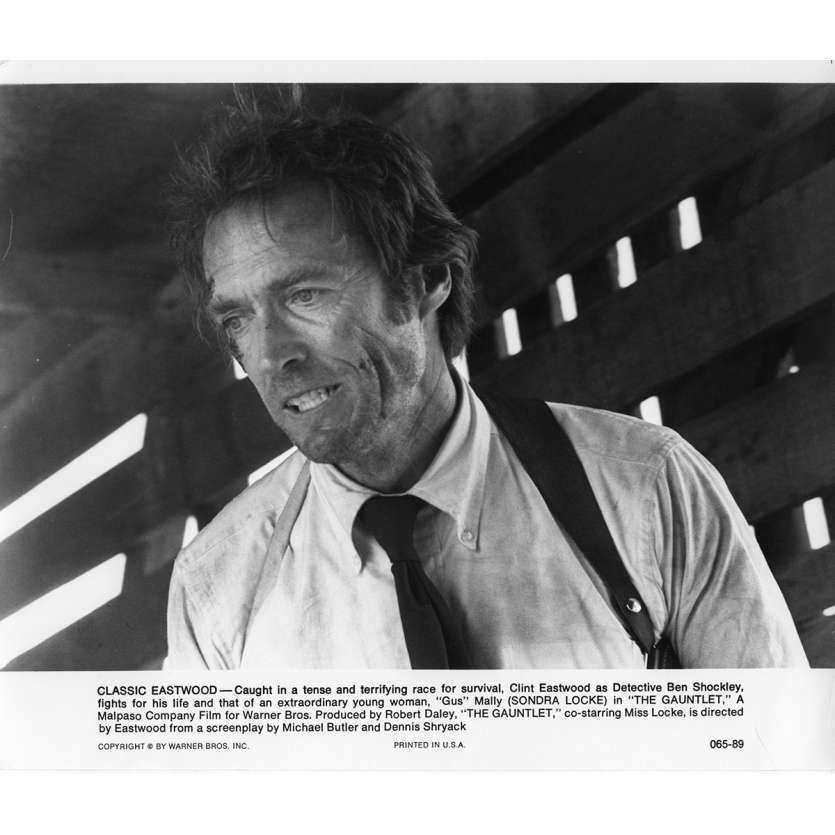 THE GAUNTLET Movie Still N2 8x10 in. USA - 1977 - Clint Eastwood, Sondra Locke
