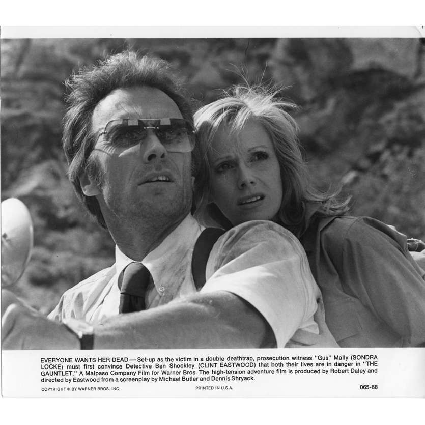 L'EPREUVE DE FORCE Photo de presse N1 20x25 cm - 1977 - Sondra Locke, Clint Eastwood