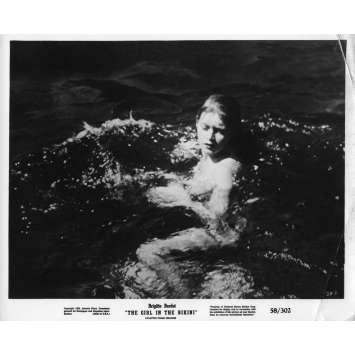THE GIRL IN THE BIKINI Movie Still 8x10 in. - 1952 - Willy Rozier, Brigitte Bardot