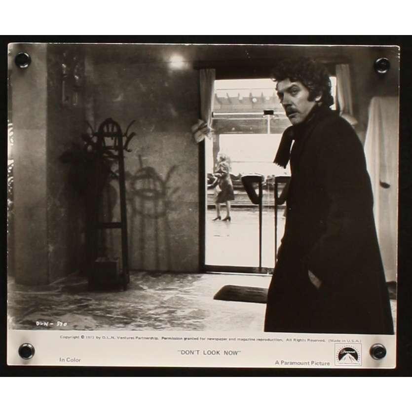 NE VOUS RETOURNEZ PAS Photo de film 4 20x25 - 1974 - Donald Sutherland, Nicholas Roeg