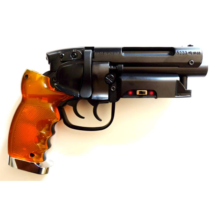 BLADE RUNNER Blaster M2019 Heavy Prop Replica Off World Inc réplique Hero