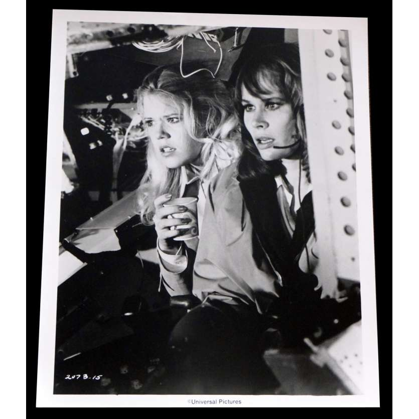 AIRPORT 1975 US Press Still 2 8x10 - 1974 - Jack Smight, Charlton Heston