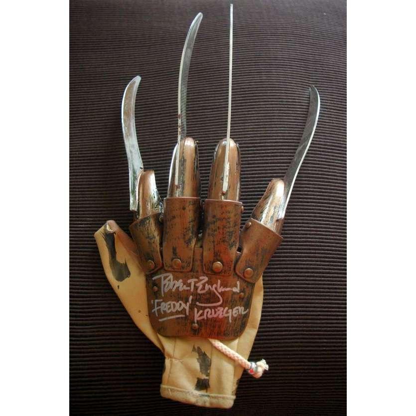 FREDDY KRUEGER gant signé par Robert Englund !