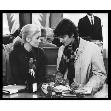 LA CHAMADE Photo de presse N14 20x25 - 1968 - Catherine Deneuve, Françoise Sagan