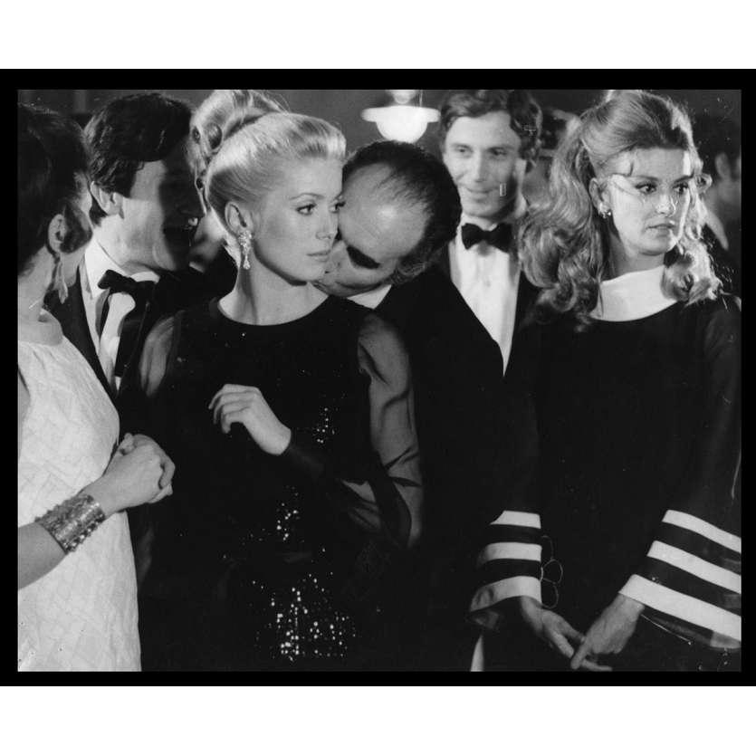 LA CHAMADE Photo de presse N21 20x25 - 1968 - Catherine Deneuve, Françoise Sagan