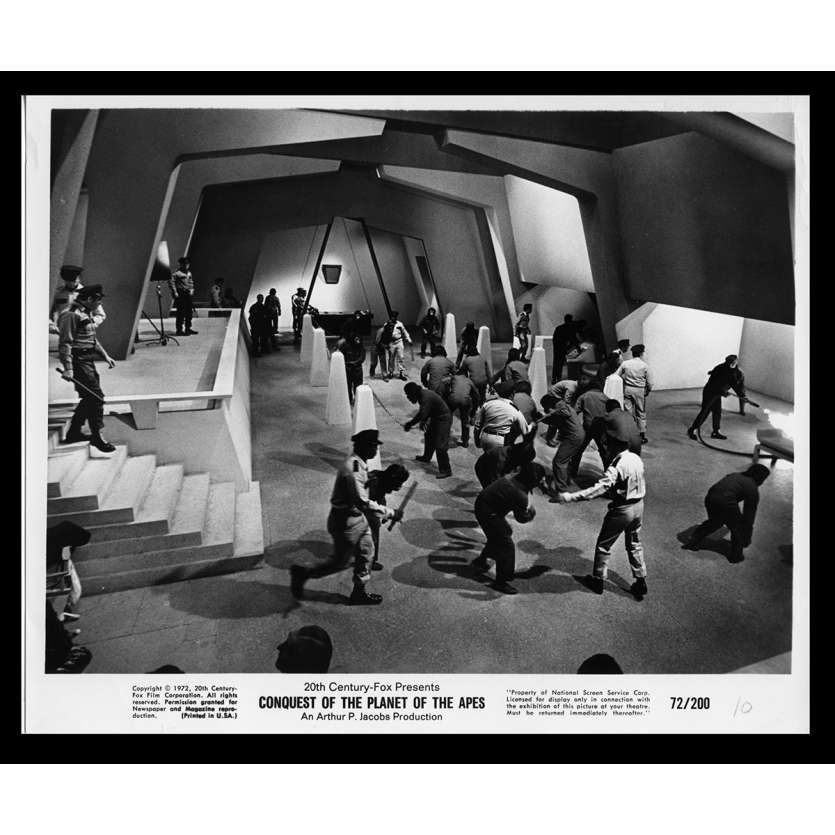 LA CONQUETE DE LA PLANETE DES SINGES Photo de presse N10 20x25 - 1972 - Roddy McDowall, J. Lee Thomson