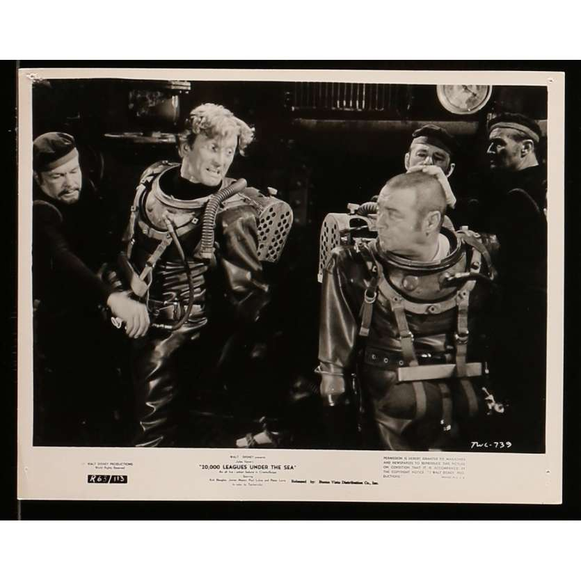 20,000 LEAGUES UNDER THE SEA US Press still N3 8x10 - 1963 - Richard Fleisher, Kirk Douglas