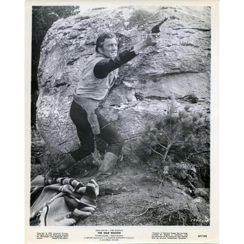THE WAR WAGON Movie Still 8x10 in. USA - 1967 - Burt Kennedy, Kirk Douglas, John Wayne