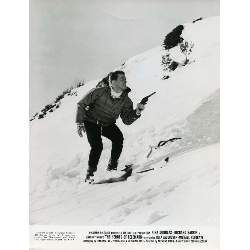 LES HEROS DE TELEMARK Photo de presse N1 20x25 cm - 1966 - Kirk Douglas, Anthony Mann