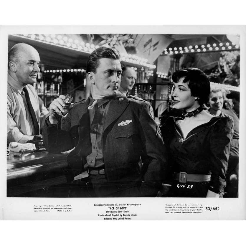 ACT OF LOVE Movie Still N3 8x10 in. USA - 1953 - Anatole Litvak, Kirk Douglas