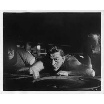 UN HOMME DOIT MOURIR Photo de presse N6 20x25 cm - 1963 - Kirk Douglas, George Seaton