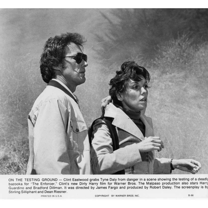 L'INSPECTEUR NE RENONCE JAMAIS Photo de presse N3 20x25 cm - 1976 - Clint Eastwood, James Fargo