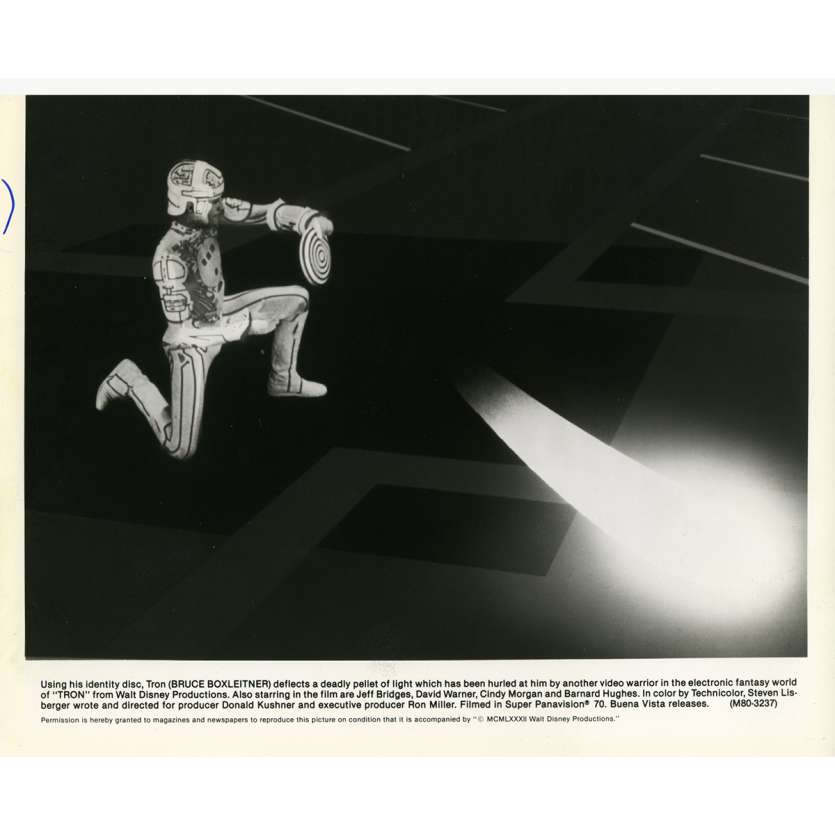 TRON Movie Still N10 8x10 in. - 1982 - Steven Lisberger, Jeff Bridges