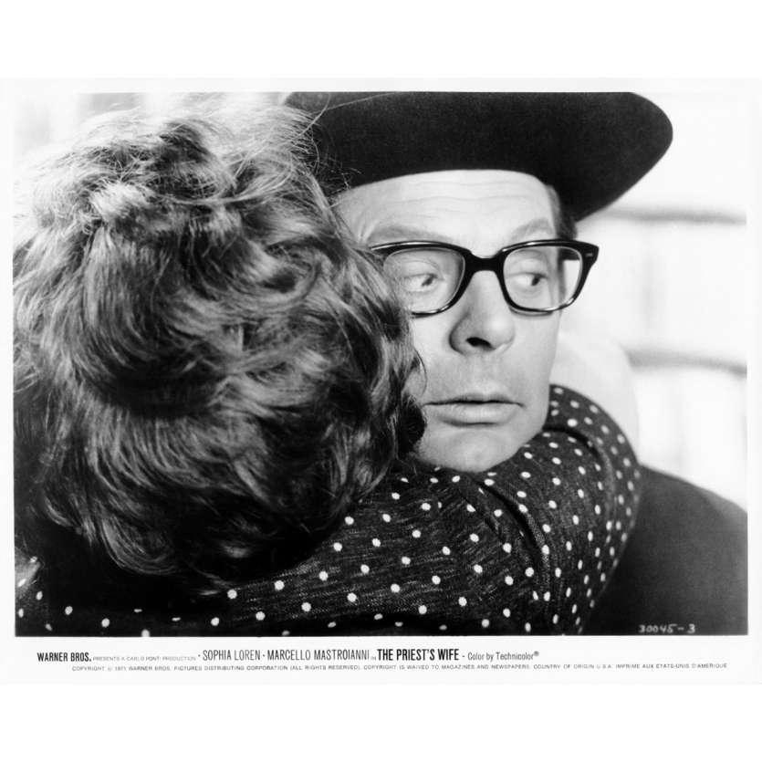 THE PRIEST'S WIFE Movie Still N29 8x10 in. - 1970 - Dino Risi, Marcello Mastroianni, Sophia Loren