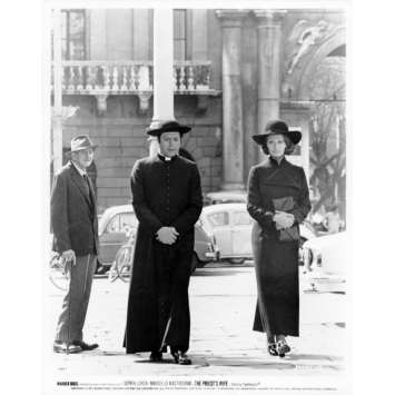 THE PRIEST'S WIFE Movie Still N26 8x10 in. - 1970 - Dino Risi, Marcello Mastroianni, Sophia Loren