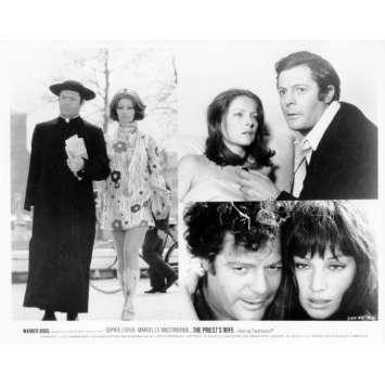 LA FEMME DU PRETRE Photo de presse N24 20x25 cm - 1970 - Marcello Mastroianni, Sophia Loren, Dino Risi
