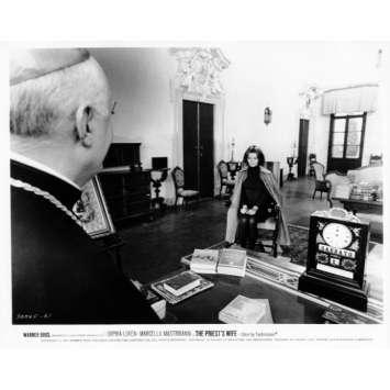 LA FEMME DU PRETRE Photo de presse N17 20x25 cm - 1970 - Marcello Mastroianni, Sophia Loren, Dino Risi