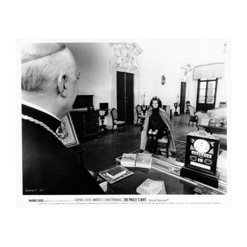THE PRIEST'S WIFE Movie Still N17 8x10 in. - 1970 - Dino Risi, Marcello Mastroianni, Sophia Loren