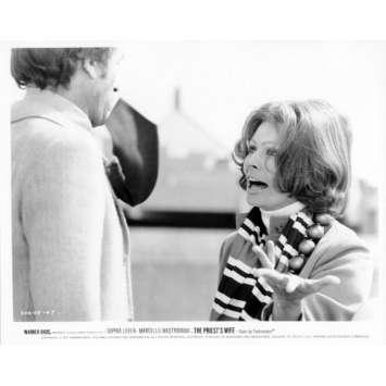LA FEMME DU PRETRE Photo de presse N14 20x25 cm - 1970 - Marcello Mastroianni, Sophia Loren, Dino Risi