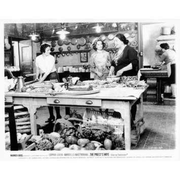 LA FEMME DU PRETRE Photo de presse N11 20x25 cm - 1970 - Marcello Mastroianni, Sophia Loren, Dino Risi