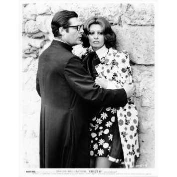 THE PRIEST'S WIFE Movie Still N10 8x10 in. - 1970 - Dino Risi, Marcello Mastroianni, Sophia Loren