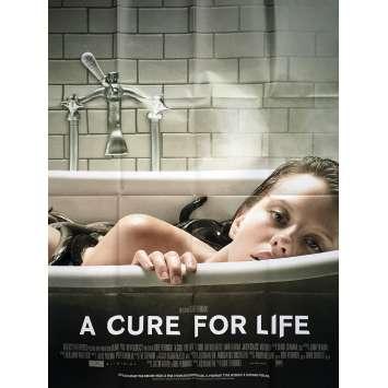 A CURE FOR LIFE Affiche de film 120x160 cm - 2017 - Jason Isaacs, Gore Verbinski