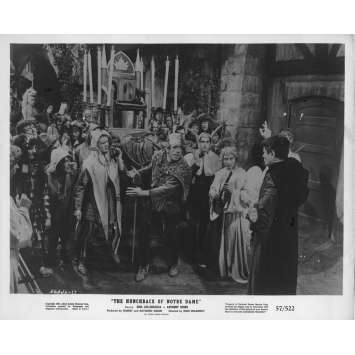 THE HUNCHBACK OF NOTRE DAME Movie Still 8x10 in. - 1956 - Jean Delannoy, Anthony Quinn