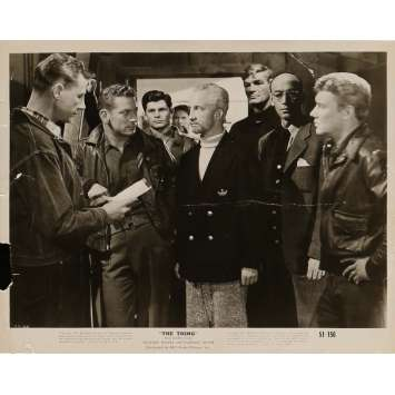 THE THING FROM ANOTHER WORLD Movie Still 8x10 in. - N04 1951 - Howard Hawks, Kenneth Tobey
