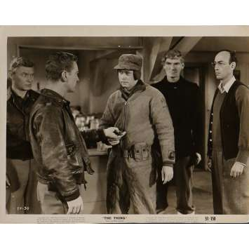 THE THING FROM ANOTHER WORLD Movie Still 8x10 in. - N03 1951 - Howard Hawks, Kenneth Tobey