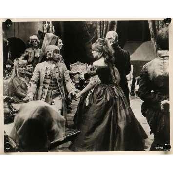 THE FEARLESS VAMPIRE KILLERS Movie Still 8x10 in. - N02 1967 - Roman Polanski, Sharon Tate