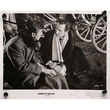 LE CAUCHEMAR DE DRACULA Photo de presse 20x25 cm - N02 R1964 - Peter Cushing, Christopher Lee, Terence Fisher