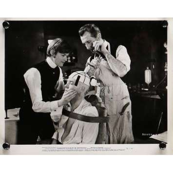 LE RETOUR DE FRANKENSTEIN Photo de presse 20x25 cm - N01 1969 - Peter Cushing, Terence Fisher