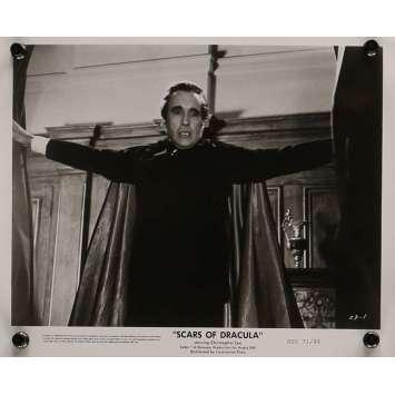 LES CICATRICES DE DRACULA Photo de presse 20x25 cm - N01 1970 - Christopher Lee, Roy Ward Baker