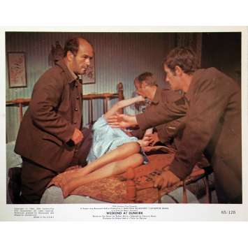 WEEKEND AT DUNKIRK Lobby Card 8x10 in. - N02 1964 - Henri Verneuil, Jean-Paul Belmondo