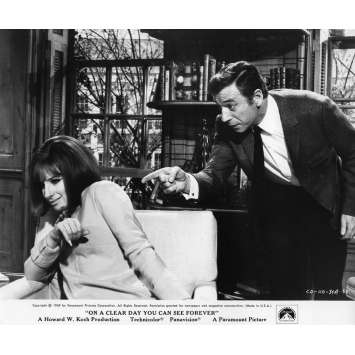 ON A CLEAR DAY YOU CAN SEE FOREVER Movie Still 8x10 in. - 1970 - Vincente Minnelli, Yves Montand, Barbra Streisand