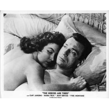 LES HEROS SONT FATIGUES Photo de presse 20x25 cm - N03 1955 - Yves Montand, Yves Ciampi