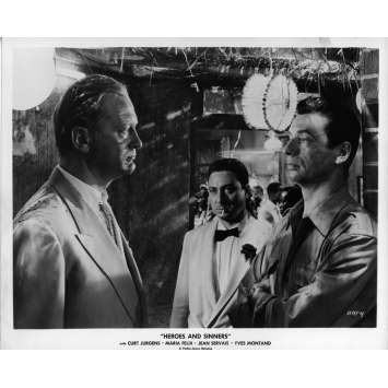 LES HEROS SONT FATIGUES Photo de presse 20x25 cm - N02 1955 - Yves Montand, Yves Ciampi