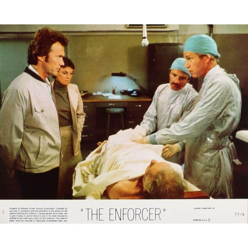 THE ENFORCER Lobby Card 8x10 in. - N05 1976 - James Fargo, Clint Eastwood