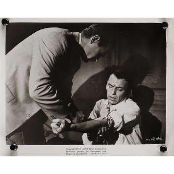 L'HOMME AU BRAS D'OR Photo de presse 20x25 cm - N03 1955 - Franck Sinatra, Otto Preminger