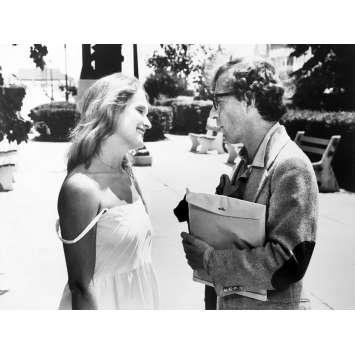 STARDUST MEMORIES Photo de presse N02 - 18x24 cm. - 1980 - Charlotte Rampling, Woody Allen