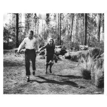 LA MORT AUX TROUSSES Photo de presse N04 - 20x25 cm. - 1959 - Cary Grant, Alfred Hitchcock