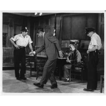 LA MORT AUX TROUSSES Photo de presse N03 - 20x25 cm. - 1959 - Cary Grant, Alfred Hitchcock
